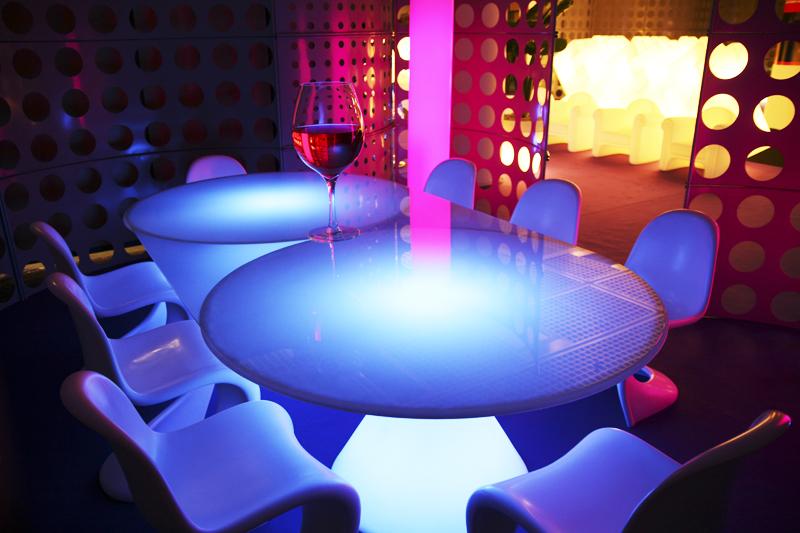 Tavoli Luminosi Da Esterno.Vendita Arredo Bar Attrezzature Ristorante E Alberghiere Degart