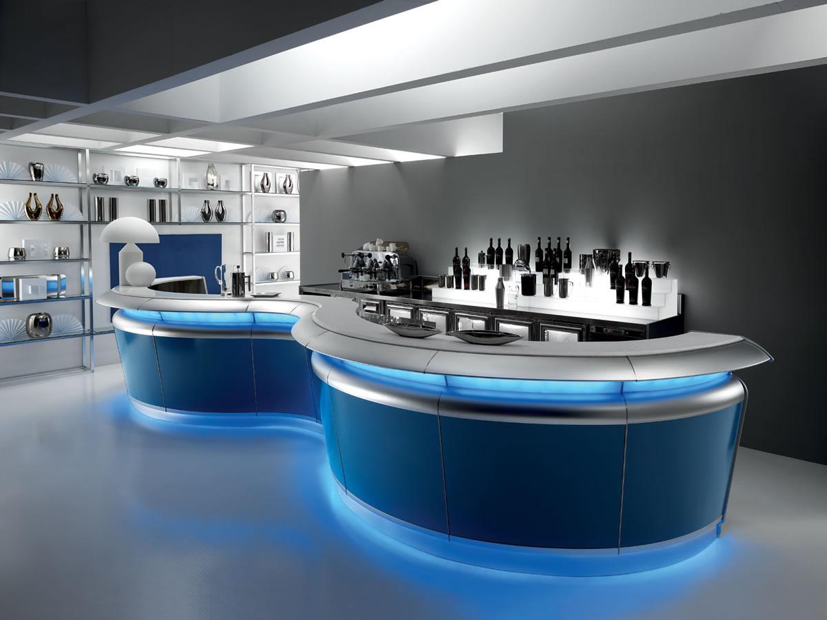 Banco bar tucano con struttura in acciaio inox e alluminio for Banconi bar milano