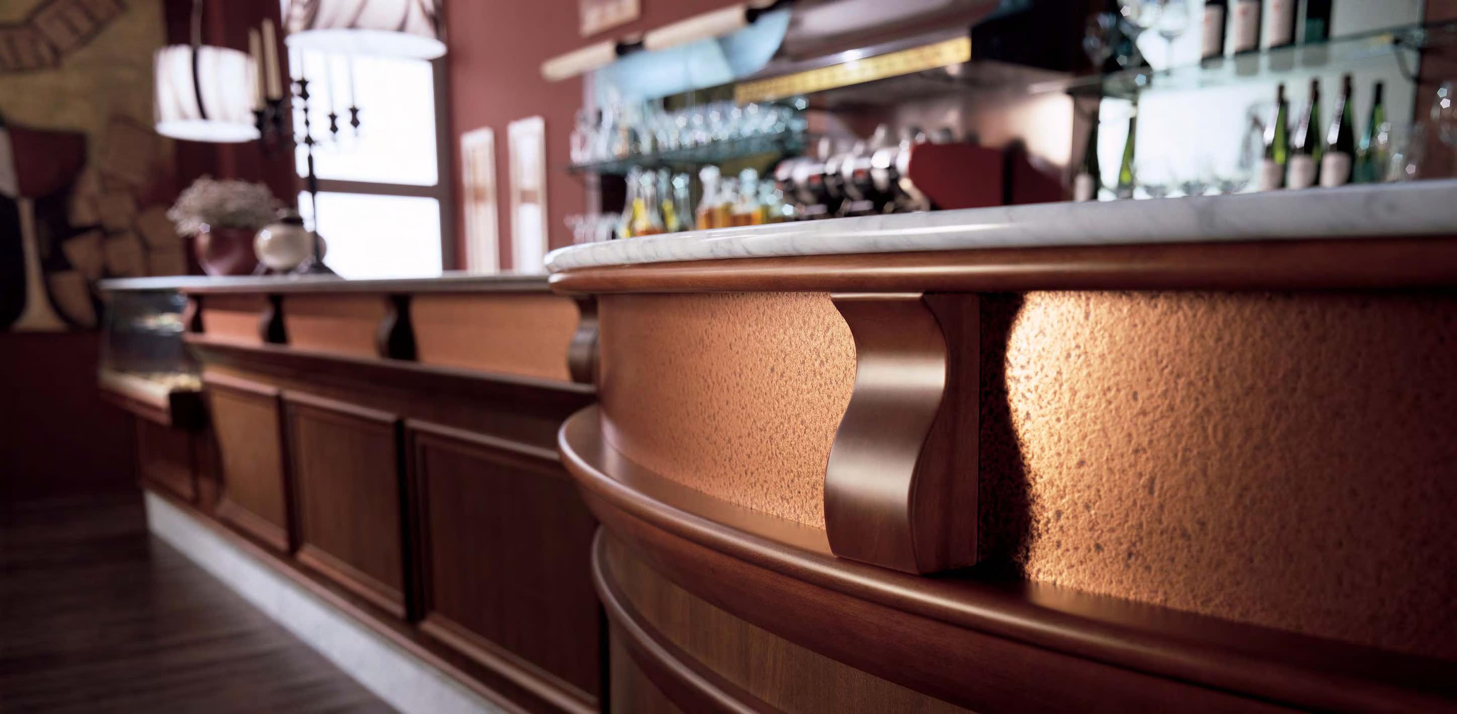 Vendita banchi bar e retrobanchi refrigerati per arredare for Sedie osteria usate