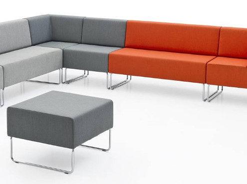 Divano host con telaio in tubo d 39 acciaio cromato degart - Altezza seduta divano ...