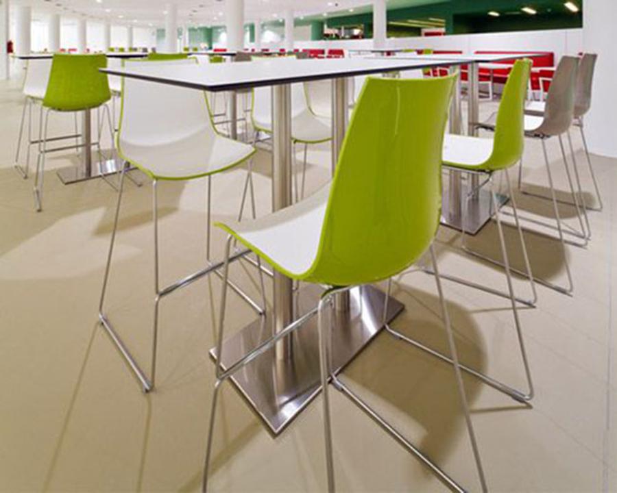 Sgabello bar 3d colour dalla forma sottile ed ergonomica degart