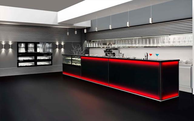 Banco bar multicolor con rivestimento in vetro fum for Banco bar moderno
