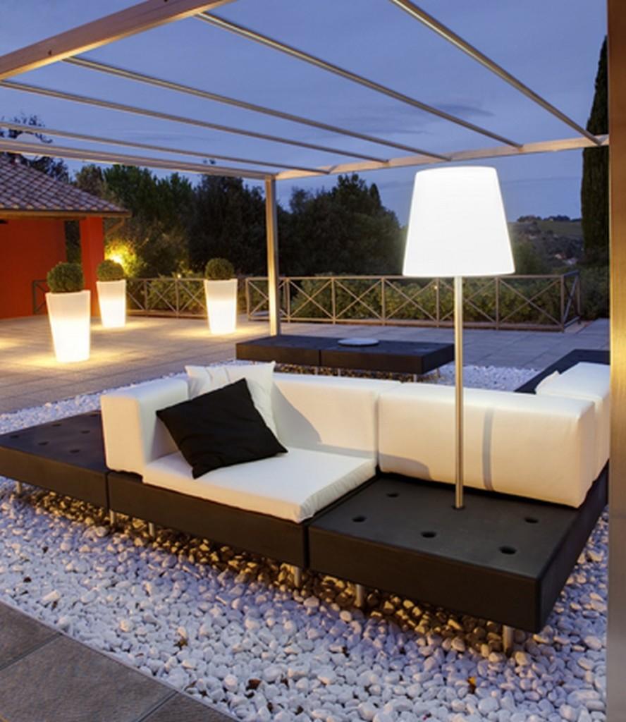 Divano happylife ideale per l arredo hotel alberghi bar for Arredi esterni per bar e ristoranti