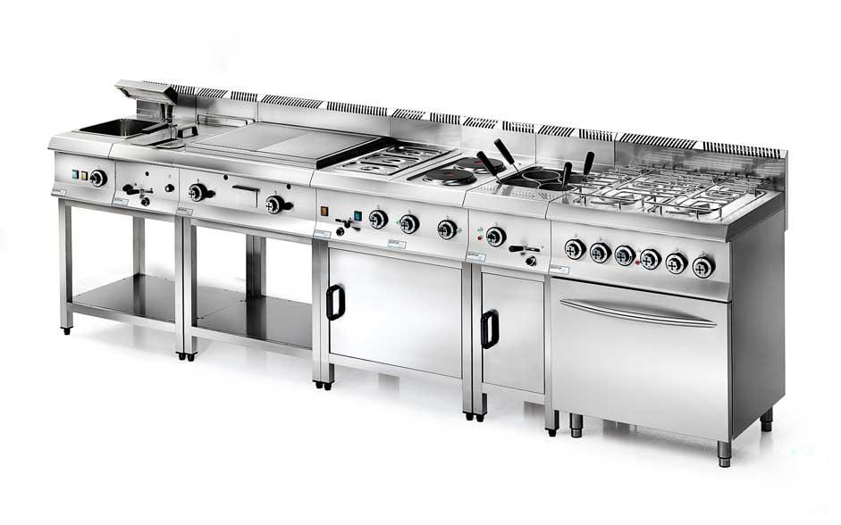 cucine industriali con piani a gas stampati e bruciatori