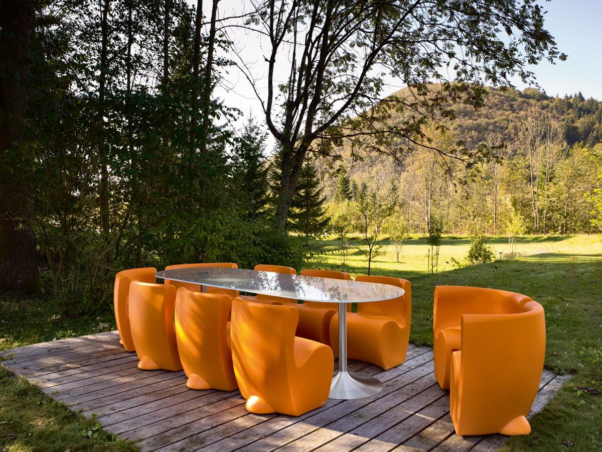 Tavolo joe per interni o esterni ideale per l 39 arredo bar for Arredi esterni per bar e ristoranti